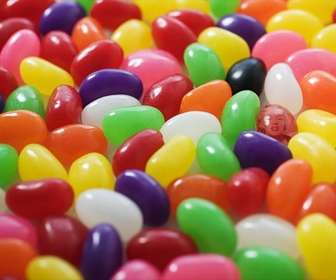 Game to do with your photo in which you can hide in a jelly bean, andd treat your friends to find you!