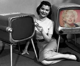 Photomontage in which you will leave in an old television.